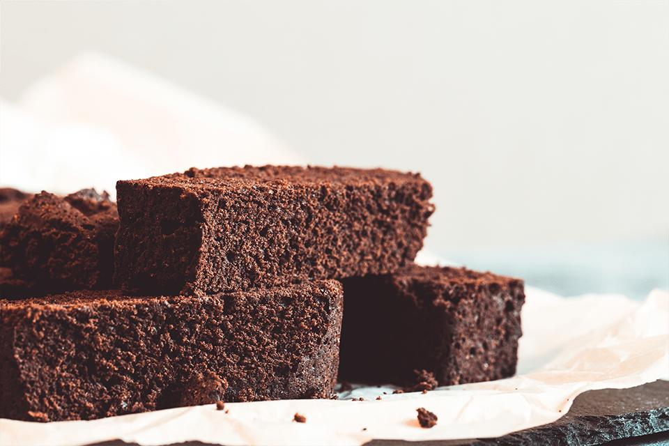 Yalnızca 2 Malzeme İle Bol Çikolatalı Puf Kek